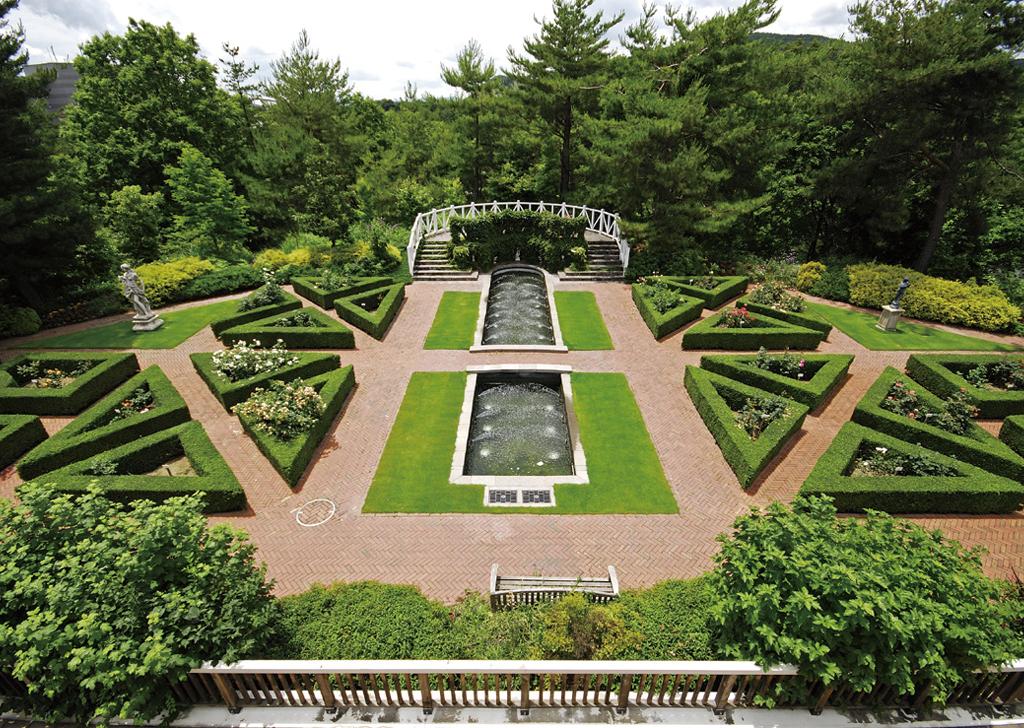 自然の中の森と池、美しく整備された庭園でリラックス。