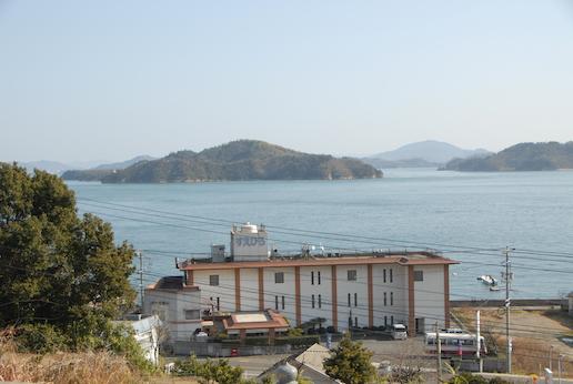 外観 瀬戸内の島々を眺む