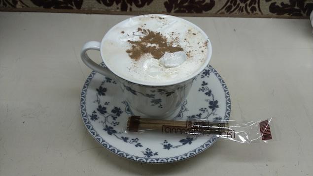 生クリームを使用したカプチーノコーヒー700円