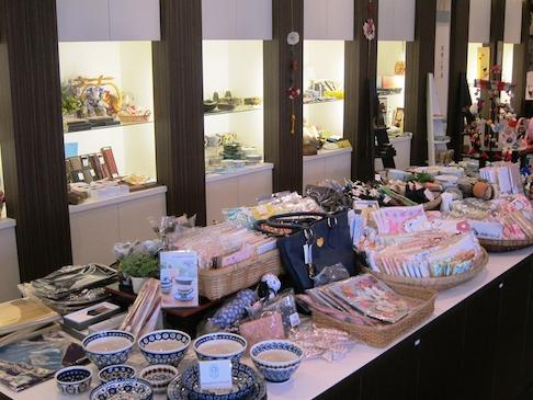 オシャレな生活陶器やかわいい雑貨など癒されるアイテムがいっぱい!