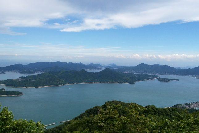 瀬戸内海に浮かぶ佐木島
