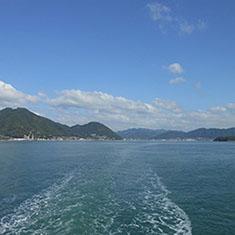 船上から見る瀬戸内海
