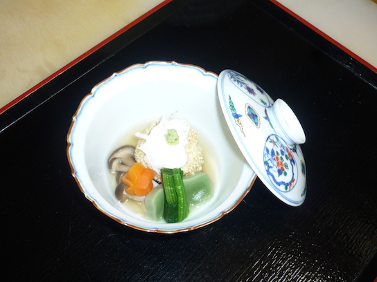 焚合(よもぎ麩・梅花人参・海老芋饅頭・本しめじ・ほうれん草・山葵)