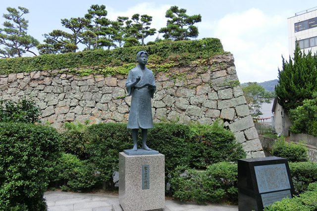 聖トマス小崎像