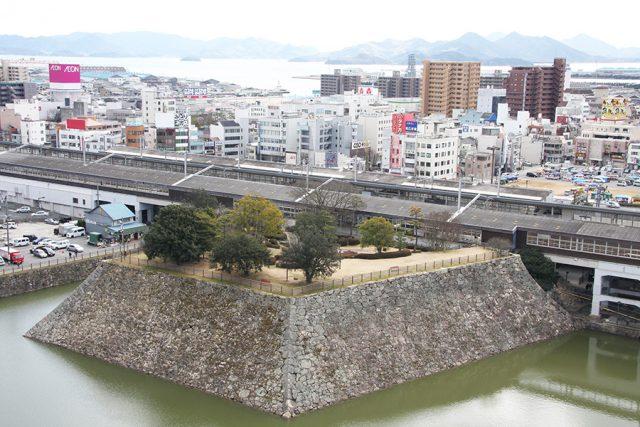 三原城一番櫓(本丸中門跡)
